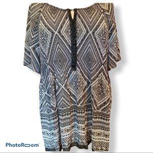 30/32 Lane Bryant black / white tunic-embellished